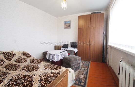 Parduodamas 2 kambarių butas Varėnos miesto centre