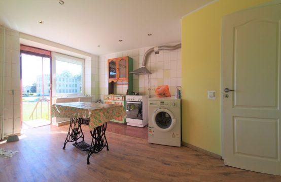 1 kambario butas su visais patogumais ir atskiru įėjimu!